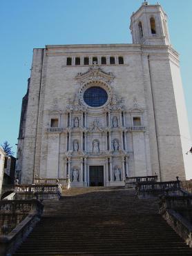 Město Girona s katedrálou Panny Marie