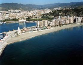 Španělské město Malaga s pláží