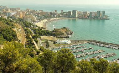 Pobřeží španělského letoviska Oropesa del Mar